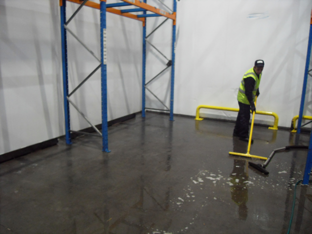 Warehouse-Cleaning