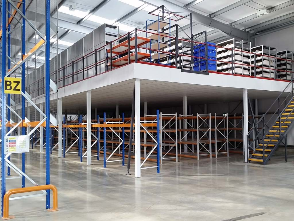 Mezzanine storage in warehouse